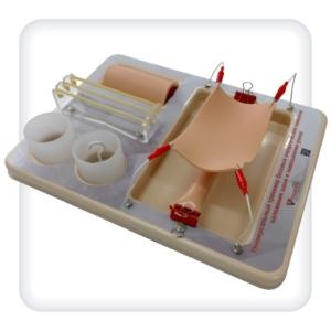 Универсальный тренажер базовых хирургических навыков наложения швов и завязывания узлов